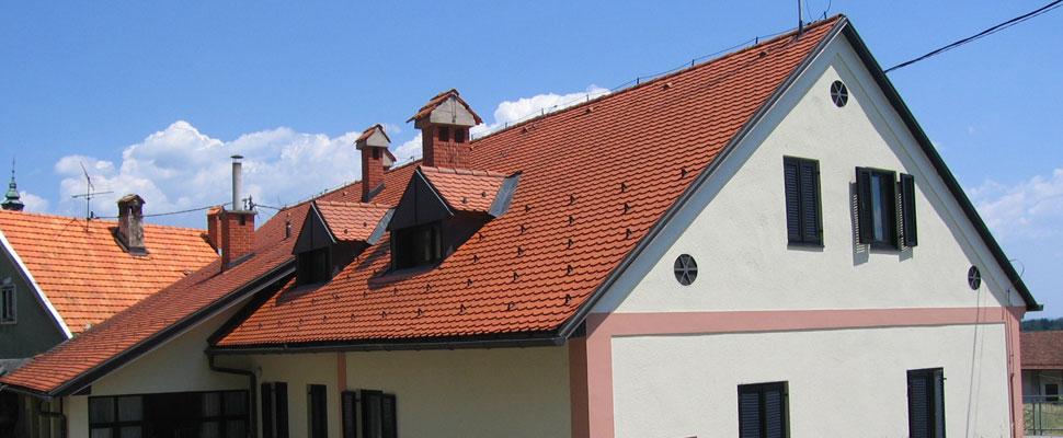 Naša ponudba:prekrivanje streh, kleparska dela, izolacijska dela, manjša tesarska dela, ...
